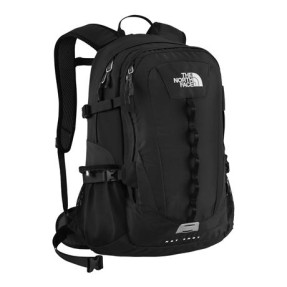 Foto Mochila Trilhas The North Face com Compartimento para Notebook 26 Litros Hot Shot