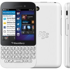 Foto Smartphone BlackBerry Q5 8GB 4G OS